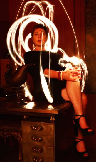 Photo : Michèle fluradiée par l'artiste YANN TOMA
